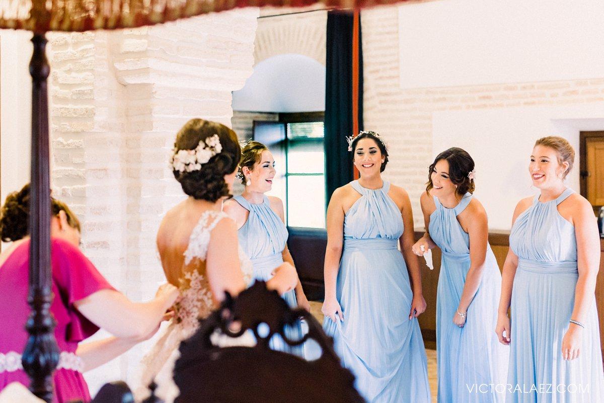 The Bride and Bridemaids in Getting Ready Room in Castillo de la Monclova