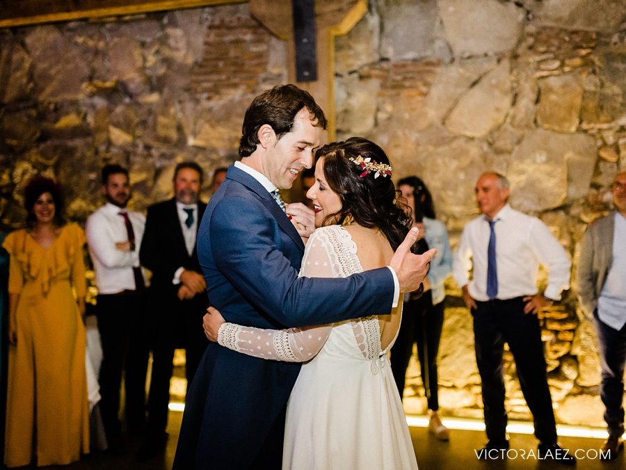 Bride and Groom First Dance in Sofraga Palacio Wedding